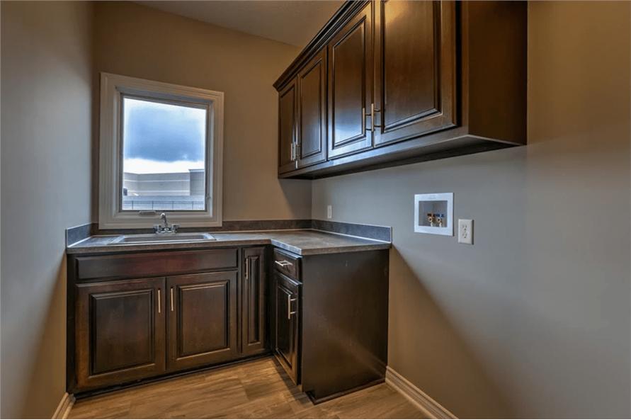 100-1071: Home Interior Photograph-Laundry Room