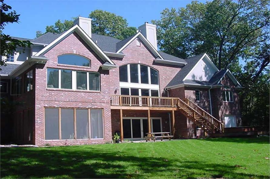 101-1126: Home Exterior Photograph-Rear View