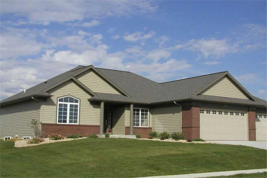3-Bedroom, 1540 Sq Ft Ranch House Plan - 101-1852 - Front Exterior