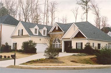 3-Bedroom, 2397 Sq Ft Ranch House Plan - 104-1018 - Front Exterior