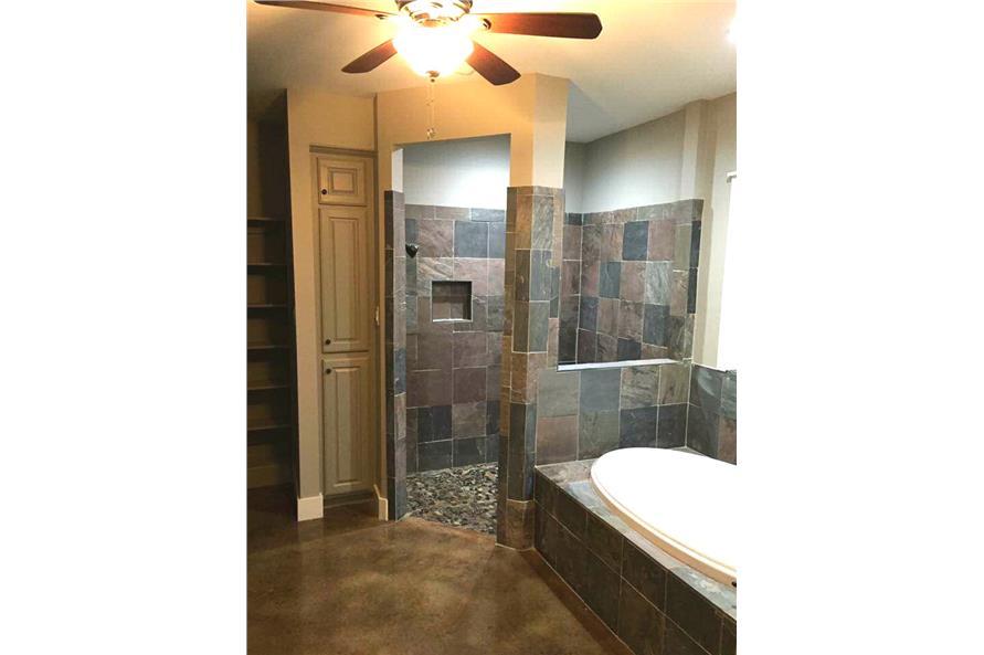 106-1100: Home Interior Photograph-Master Bathroom