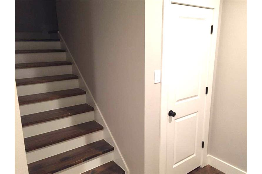 106-1100: Home Interior Photograph