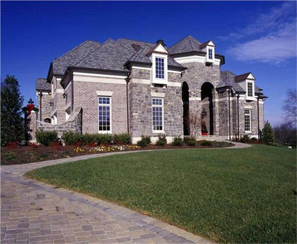 106-1167: Home Exterior Photograph