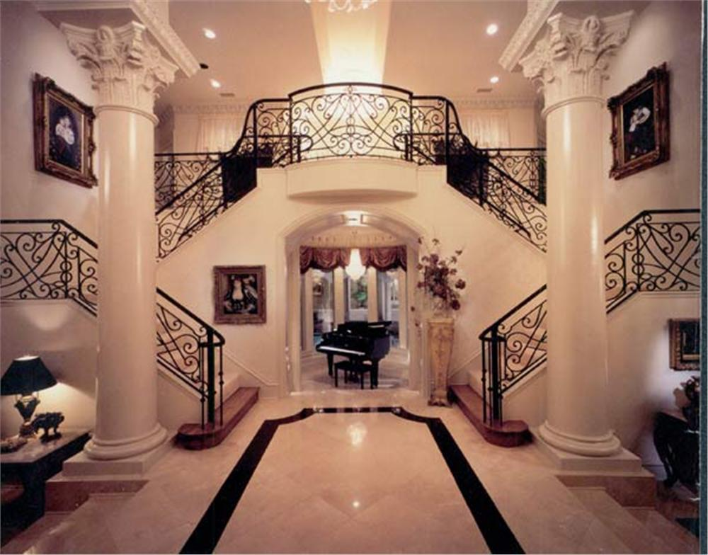 106-1273 foyer