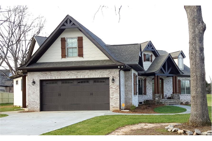 106-1275: Home Exterior Photograph-Garage