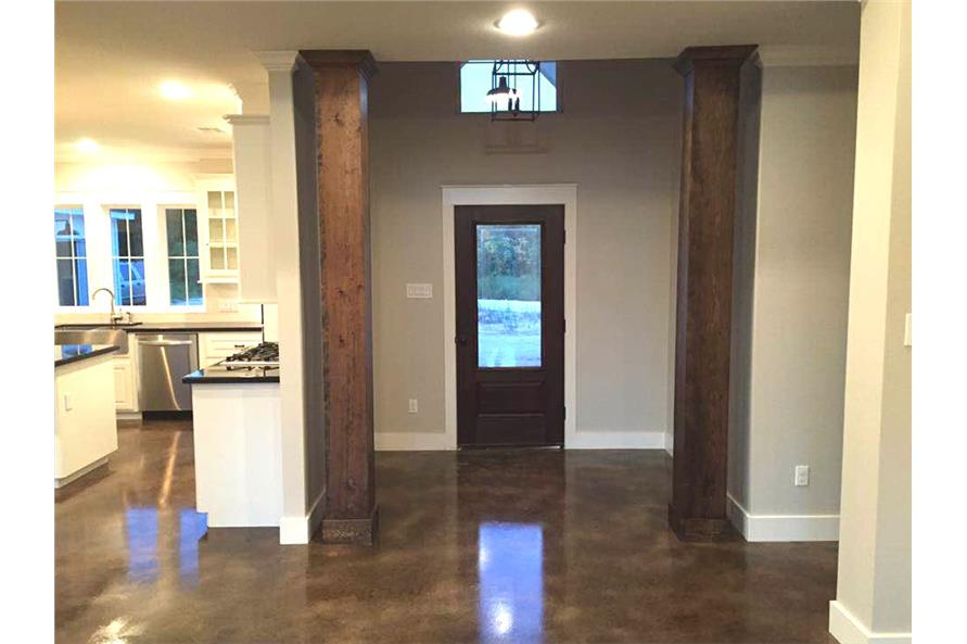 106-1313: Home Interior Photograph-Entry Hall: Foyer