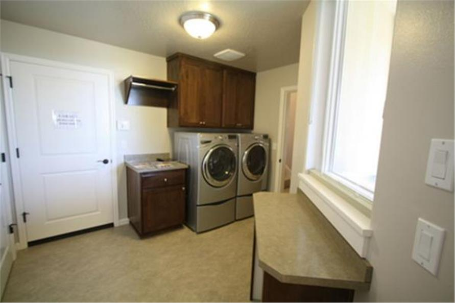108-1708: Home Interior Photograph-Laundry Room -  Mud Room