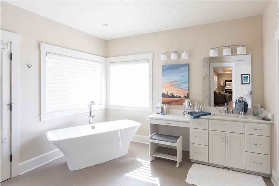 108-1789: Home Interior Photograph-Master Bathroom