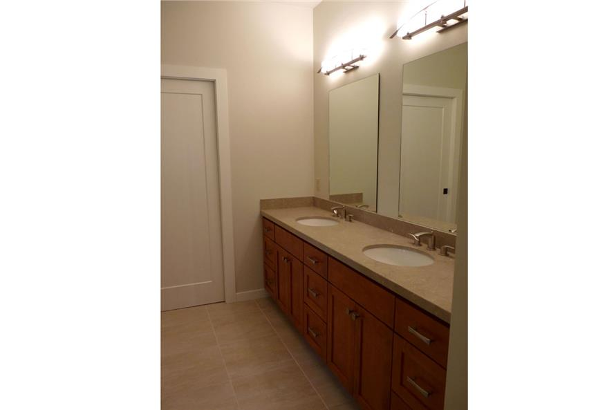 108-1792: Home Interior Photograph-Bathroom