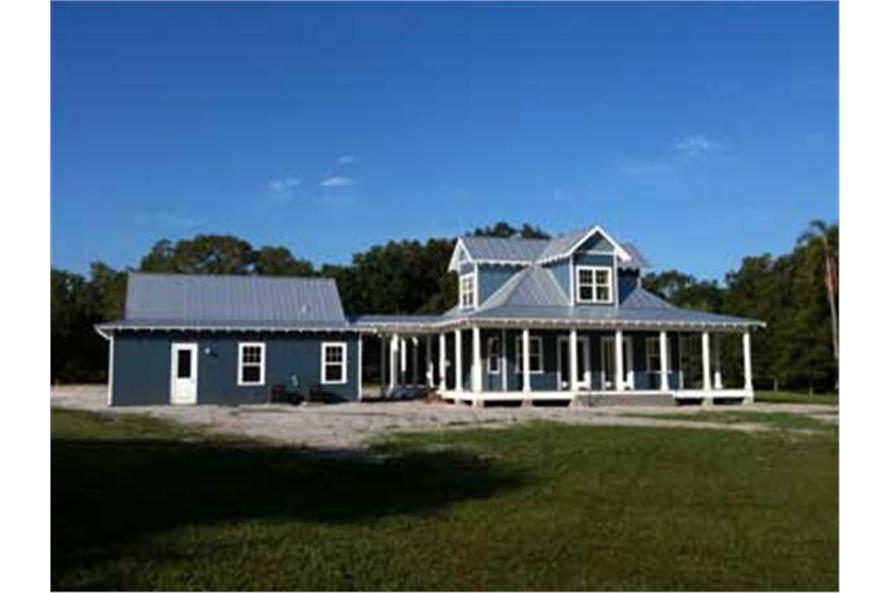 116-1043: Home Exterior Photograph