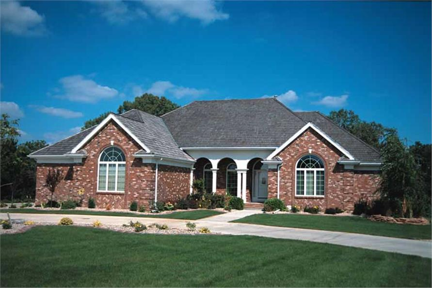 3-Bedroom, 2512 Sq Ft Southern House Plan - 120-1004 - Front Exterior