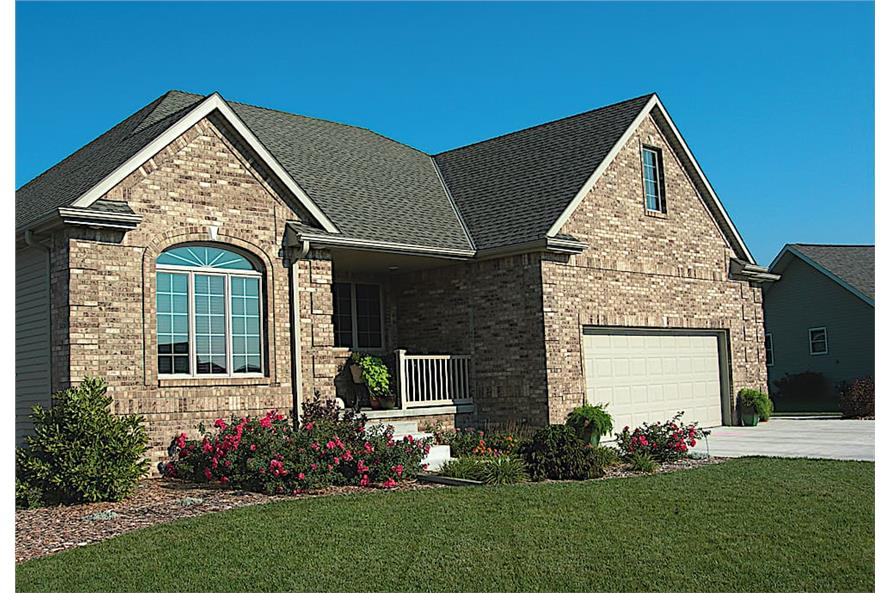 3-Bedroom, 1335 Sq Ft European House - Plan #120-1054 - Front Exterior