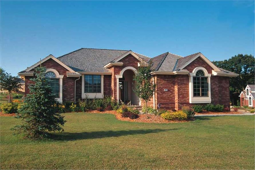 4-Bedroom, 2093 Sq Ft Ranch House Plan - 120-1099 - Front Exterior