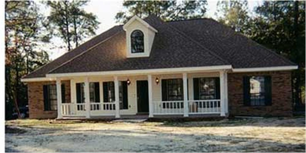 123-1052: Home Exterior Photograph