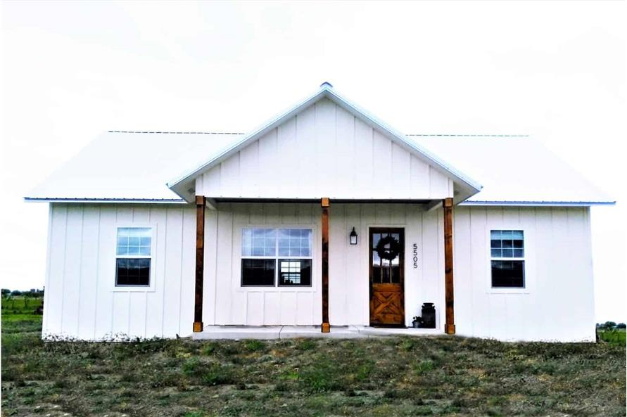Front View of this 3-Bedroom,1035 Sq Ft Plan -123-1116