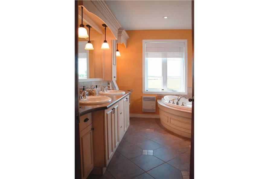 126-1031: Home Interior Photograph-Bathroom