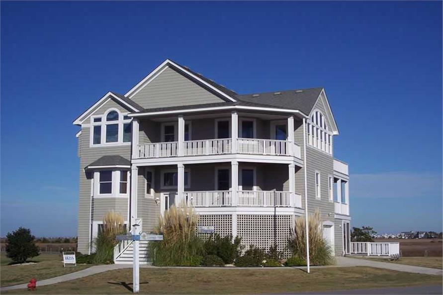 5-Bedroom, 3403 Sq Ft Coastal House Plan - 130-1095 - Front Exterior