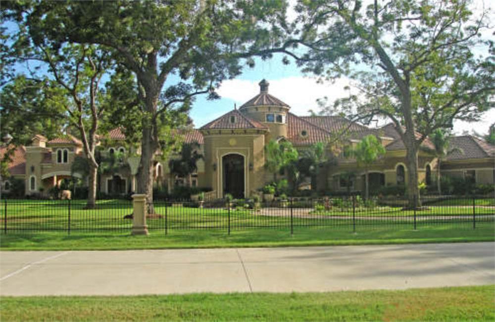Luxurious Mansion Estate