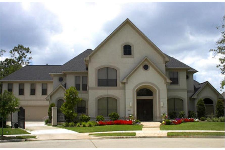 Photo of this traditional, luxury home.