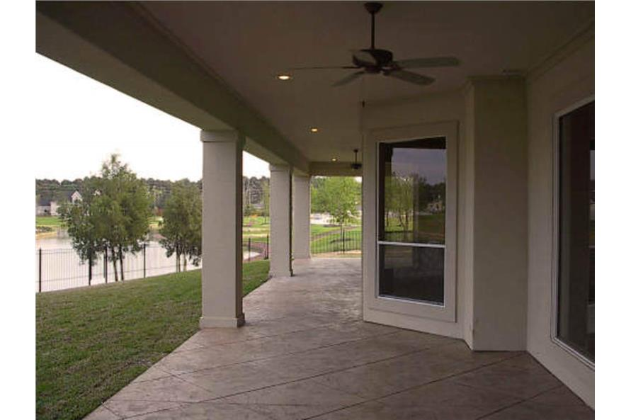 134-1414: Home Exterior Photograph - Porch - Lanai