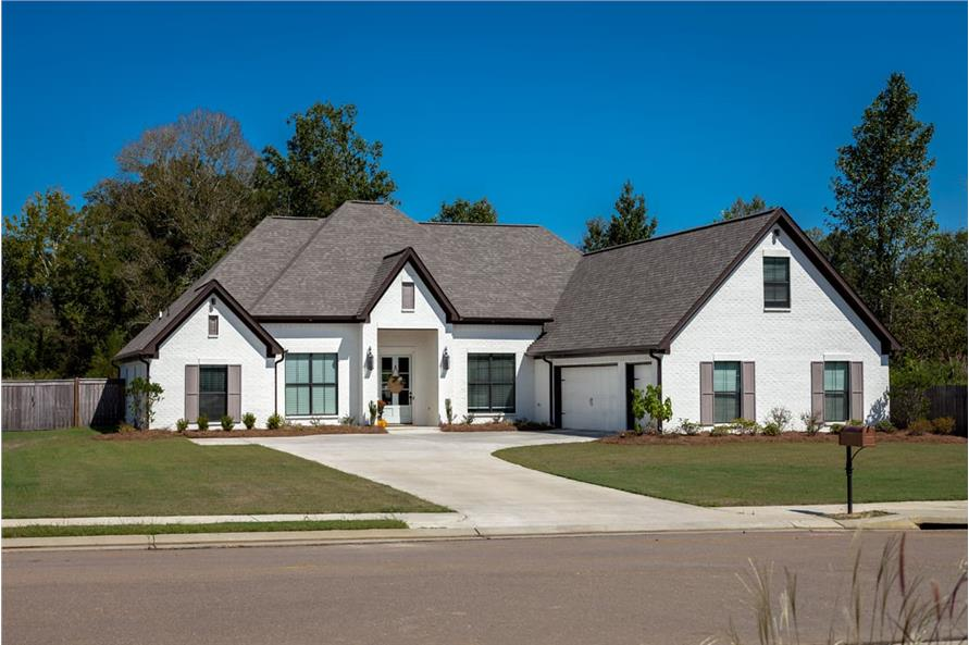 4-Bedroom, 2399 Sq Ft Ranch House - Plan #140-1090 - Front Exterior
