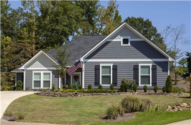 3-Bedroom, 1984 Sq Ft Ranch House - Plan #140-1095 - Front Exterior