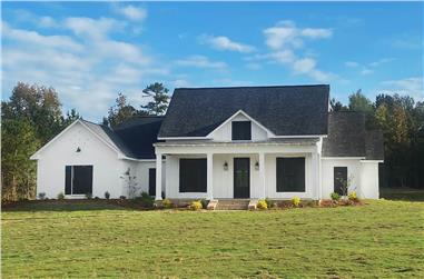 4-Bedroom, 2513 Sq Ft Modern Farmhouse Home Plan - 140-1112 - Main Exterior