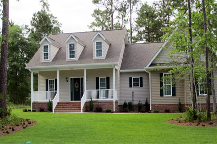 Color photograph of Country house plan # 141-1017