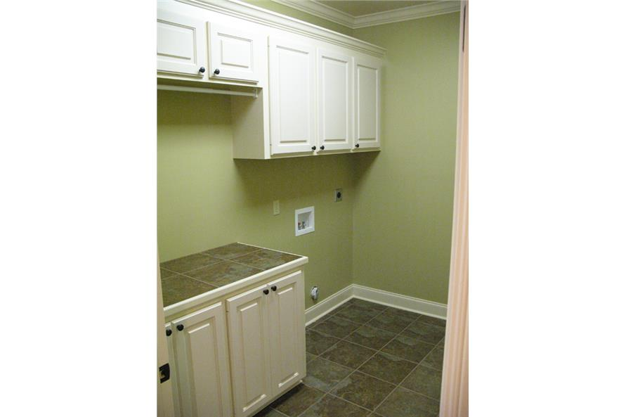 141-1066 house plan utility room