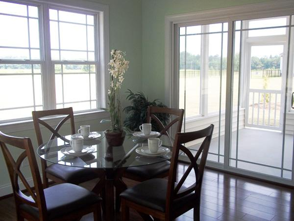 breakfast nook area 141-1067