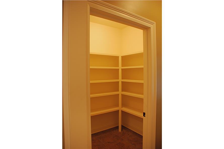 142-1039 kitchen pantry