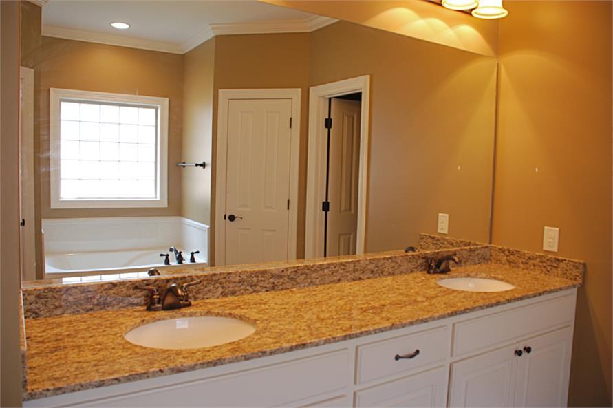 142-1039 master bath view 1
