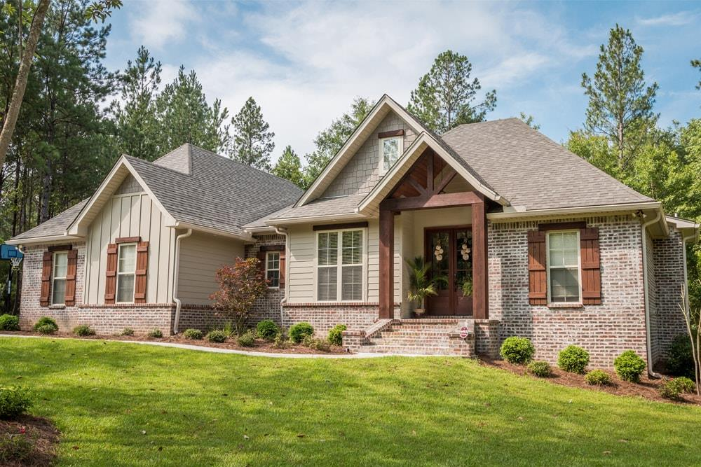 Traditional home plan (House Plan #142-1075) at The Plan Collection.