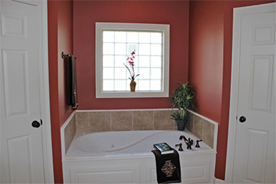 142-1090: Home Interior Photograph-Master Bathroom