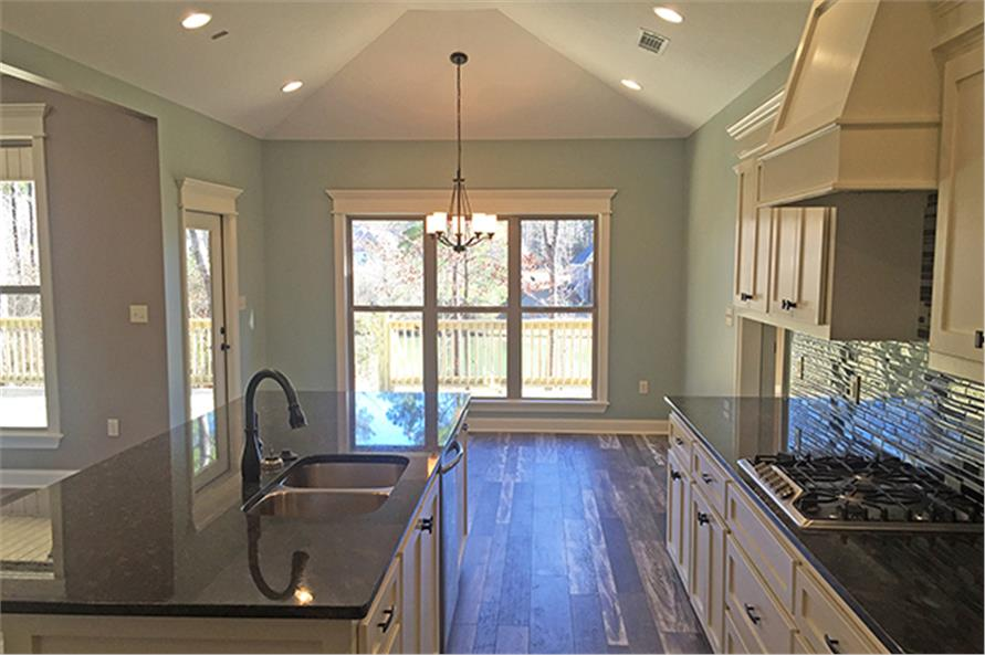 142-1150: Home Interior Photograph