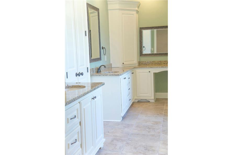 142-1151: Home Interior Photograph-Master Bathroom - Double Vanity