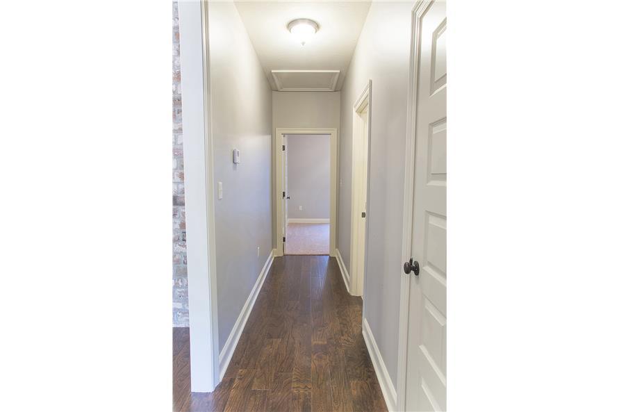 142-1152: Home Interior Photograph