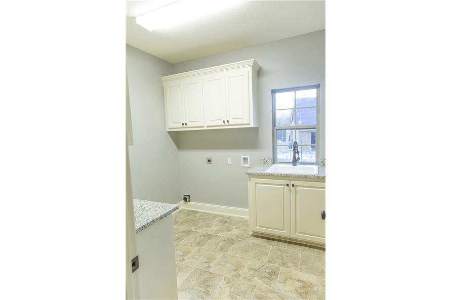 142-1152: Home Interior Photograph-Laundry Room