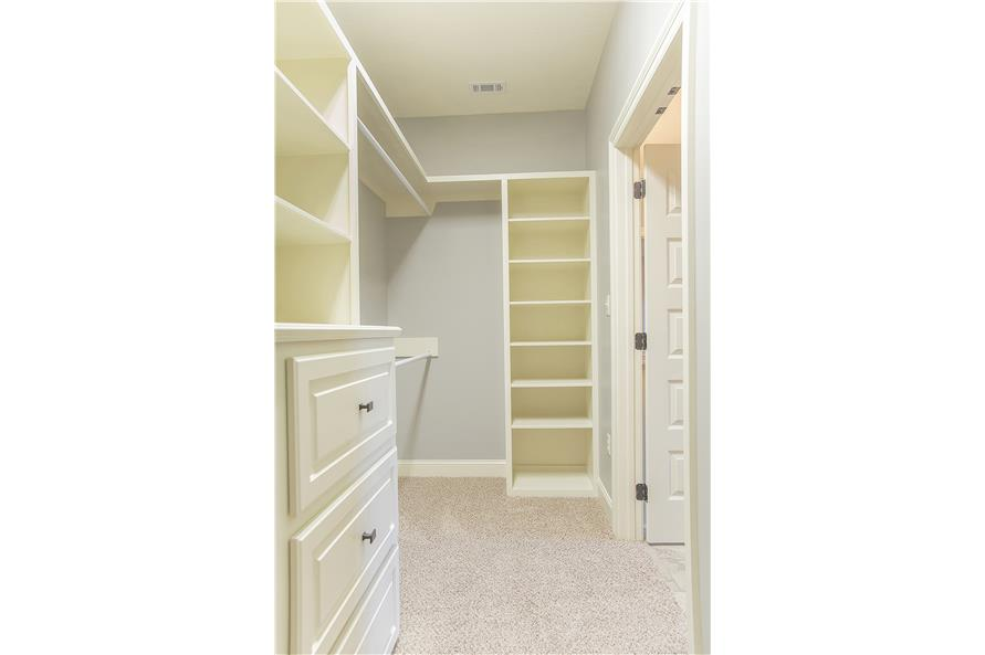 142-1152: Home Interior Photograph-Storage and Closets