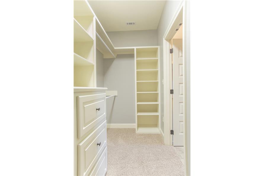 142-1152: Home Interior Photograph-Storage and Closets