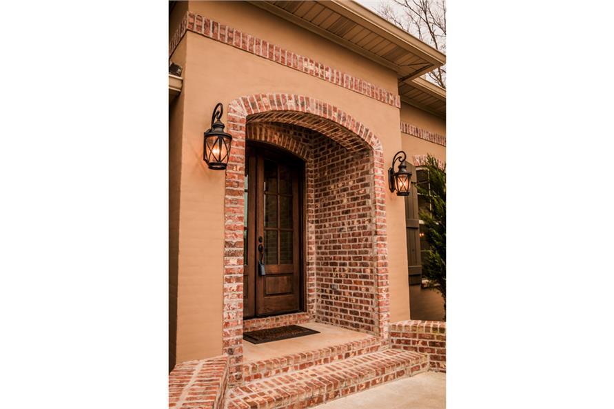 142-1155: Home Exterior Photograph-Porch