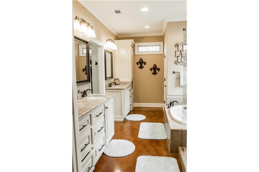 142-1155: Home Interior Photograph-Master Bathroom