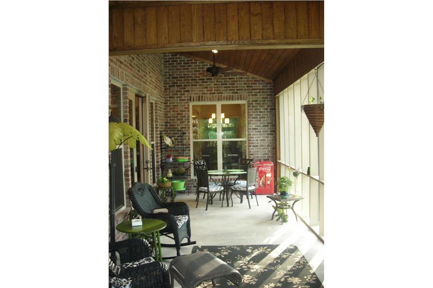 142-1168: Home Exterior Photograph-Porch
