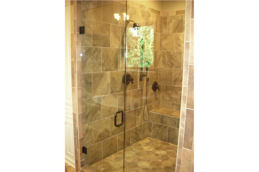 142-1168: Home Interior Photograph-Master Bathroom