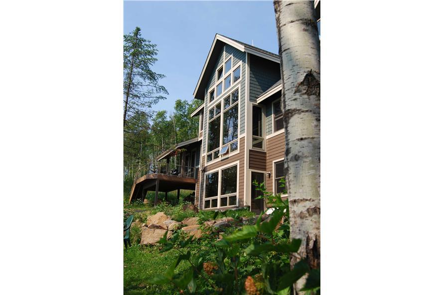 146-2810: Home Exterior Photograph-Rear View