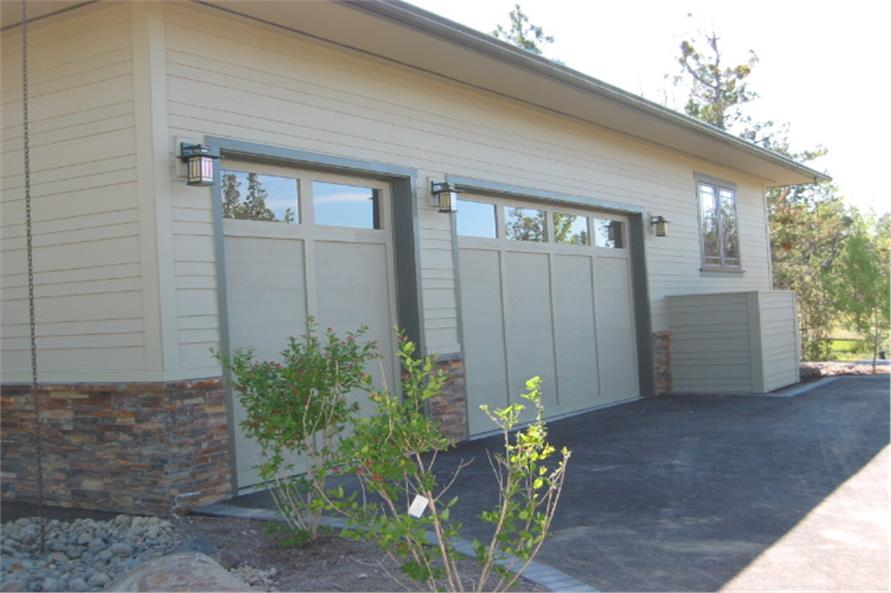 149-1013: Home Exterior Photograph-Garage