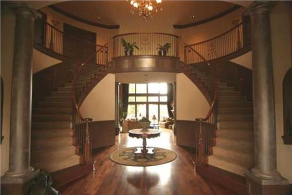 This image shows the beautiful staircase.
