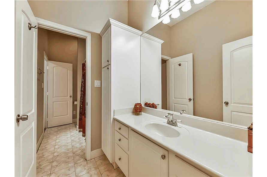 Bathroom of this 4-Bedroom,3021 Sq Ft Plan -153-1209