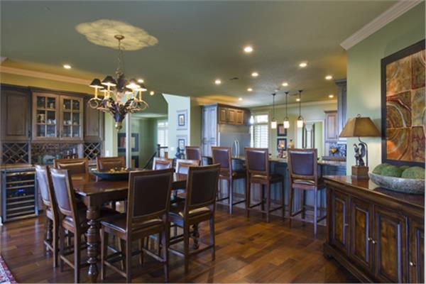 153-1904: Home Interior Photograph-Kitchen: Breakfast Nook