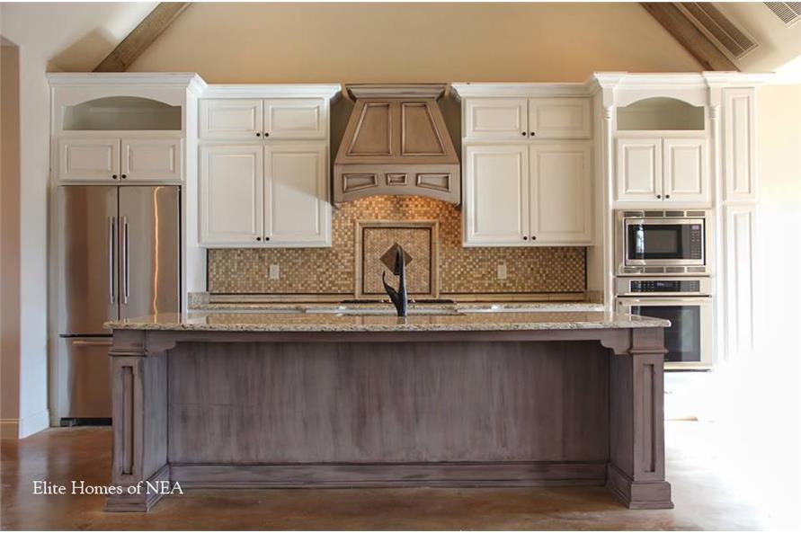 153-1990: Home Interior Photograph-Kitchen - kitchen island.